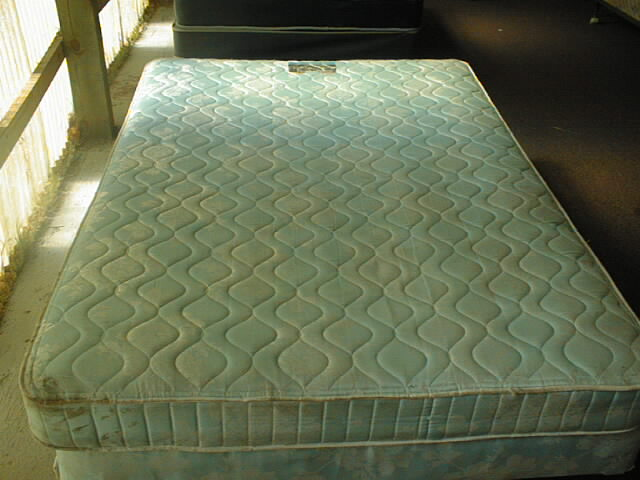 single full extra longs queens u0026 kings frames are extra we can and will save u a lot of moneys full or double size mattress u0026 box spring